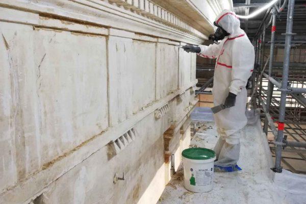 decapage-plomb-application-facade-eglise-Pantin-arche